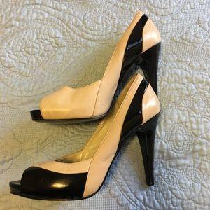 Nine West leather peep toe pump 9/12